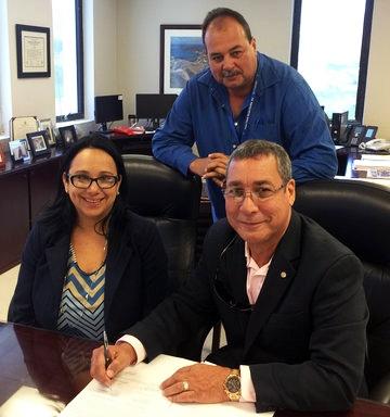Crowley-PuertoRico-Lease-Signing_large.jpg